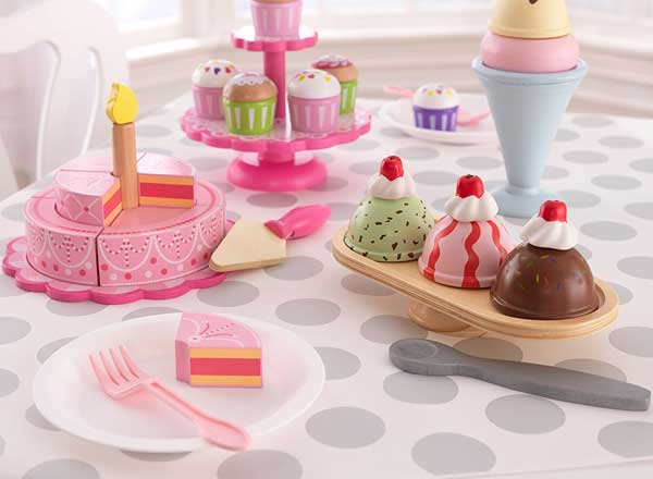 Wooden Cupcake Stand with Cupcakes